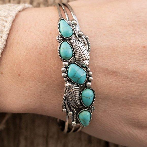 Cottage Living Bracelet